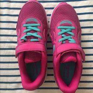 Pink saucony sneakers